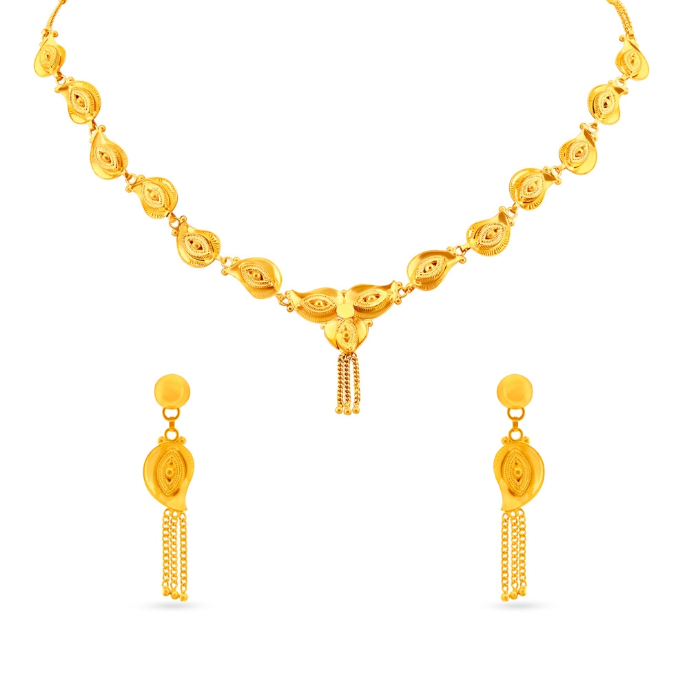 Yellow Gold Necklace Set Tanishq