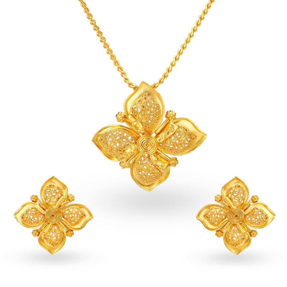 22kt Gold Pendant Earrings Set Tanishq