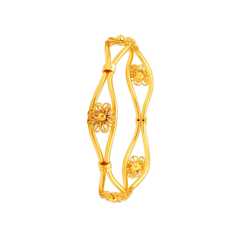 8a990ec7f4 214 Latest Gold & Diamond Bangles Designs Online at Tanishq
