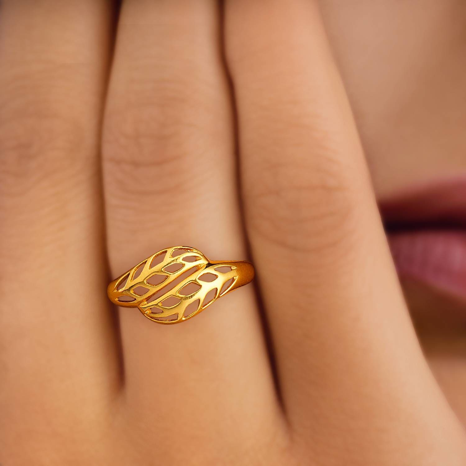 Shop Tanishq 22 KT Yellow Gold Finger Ring FBALAA00 from
