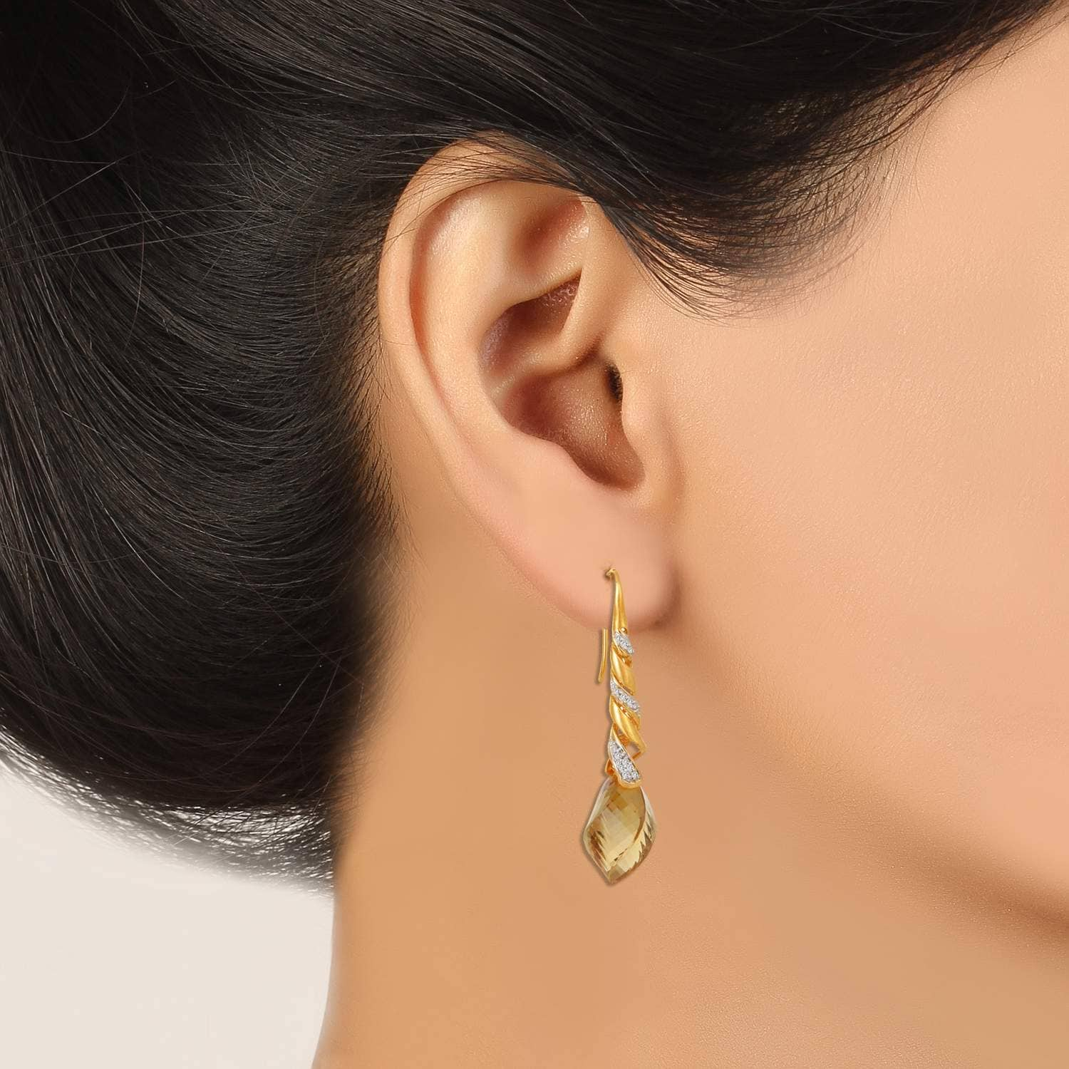 Buy Stylish Tanishq Hoop Earrings For Women At Best Price Online India :  Titan