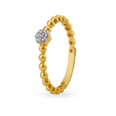 Tanishq Mangalam 18KT Yellow Gold Diamond Finger Ring with Floral Design