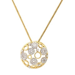 Tanishq Zuhur Yellow Gold Pendant With Studded Rings
