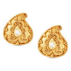 Tanishq 22KT Yellow Gold Stud Earrings with Paisley Design