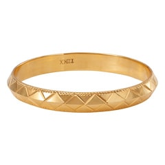 Tanishq 22KT Yellow Gold Bangle with Round Design