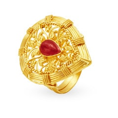 Tanishq Mangalam 22KT Yellow Gold Finger Ring with Teardrop Design